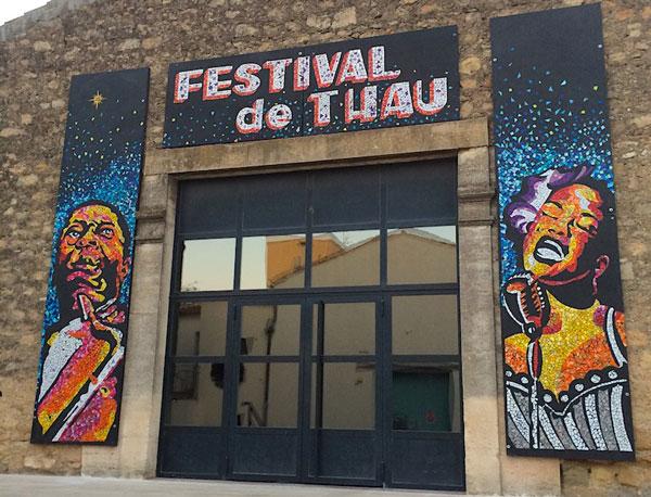 Porche entrée exposition pôur els 30 ans du Festival de Thau